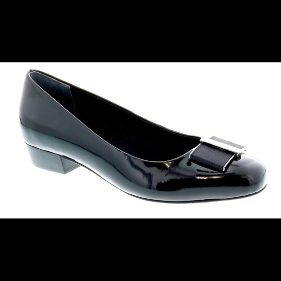 Ros Hommerson Patent Leather Flat Shoes NWOT